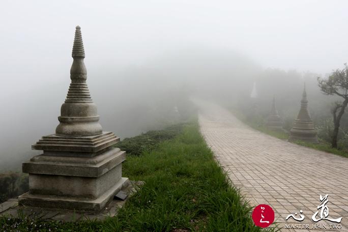 20160512-buddhist-1