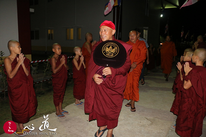 20161023-buddhist-2